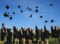 今年874万高校生毕业 多部门统筹推进招聘考录等工作