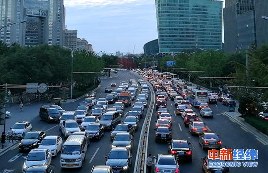 市场监管总局:近67万辆汽车被召回 涉奔驰多款车型
