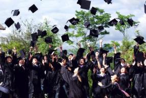 疫情下的毕业生:慢就业现象凸显 优秀学生仍抢手