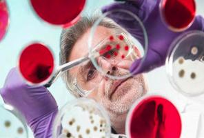 中亚暴发不明肺炎 当地专家称99.9%仍是冠状病毒