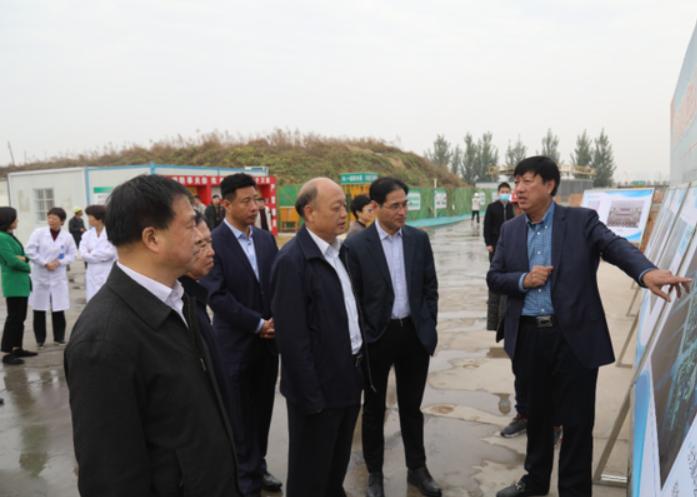 郑州大学党委常委许东升一行到郑大二附院调研指导工作