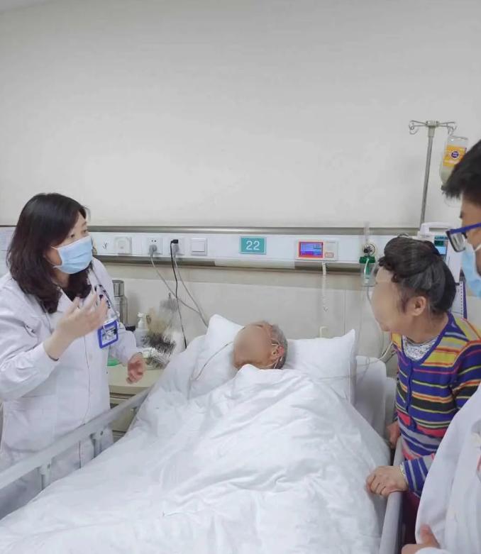 郑大二附院老年医学二病区收获一封来自上海患者的感谢信