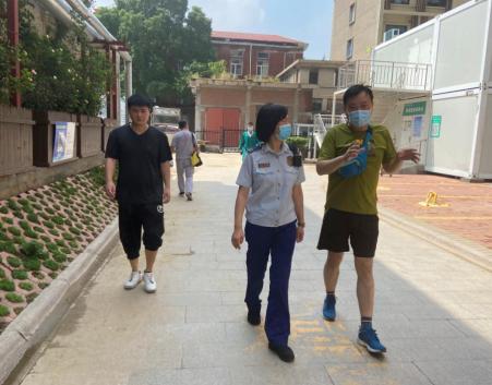 金水区消防救援大队到郑大二附院指导防汛工作