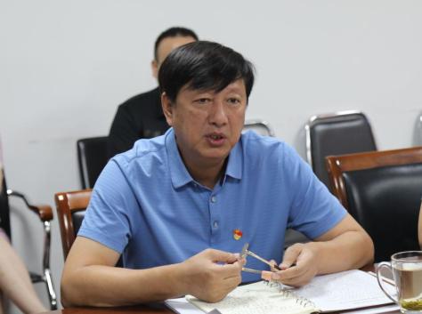 郑大二附院举行党委理论学习中心组(扩大)会议